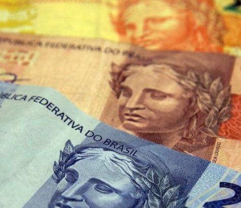 O presidente Jair Bolsonaro sancionou a Lei Complementar nº 176/2020, que institui as transferências obrigatórias da União para os estados, municípios e Distrito Federal visando compensar as perdas de arrecadação dos entes em virtude da Lei Kandir, de 1996.